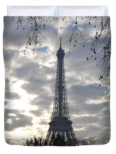Duvet Cover featuring the photograph Eiffel In The Morning by Eric Tressler
