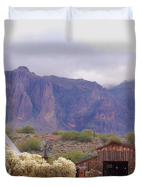 Duvet Cover featuring the photograph Elvis Memorial Chapel by Tam Ryan
