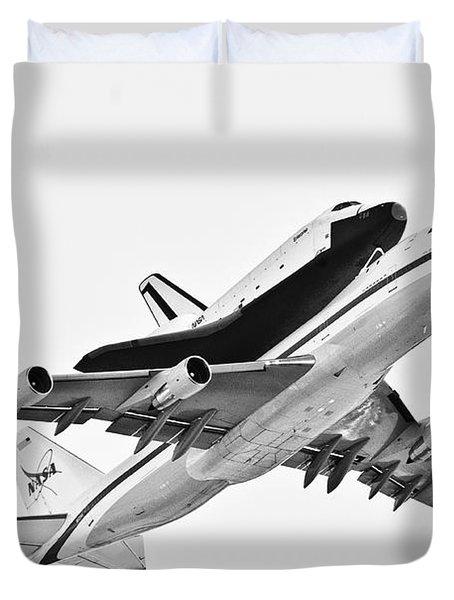 Enterprise Shuttle Ny Flyover Duvet Cover by Regina Geoghan
