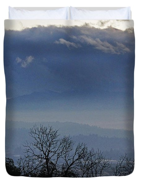 Evening At Grants Pass Duvet Cover by Mick Anderson