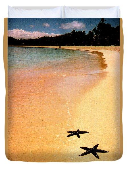 Fiji Beach With Starfish Duvet Cover by Jerome Stumphauzer