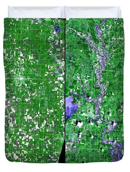 Flooding In Kansas Duvet Cover by Nasa