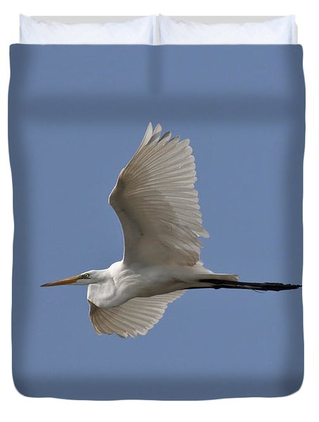 Duvet Cover featuring the photograph Flying Egret by Jeannette Hunt