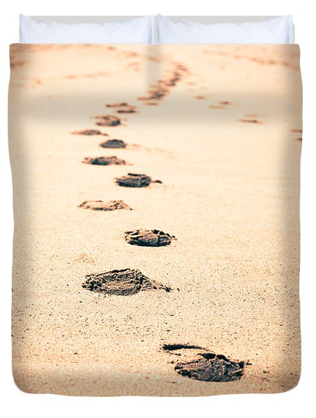 Footprints In Sand Duvet Cover by Paul Velgos