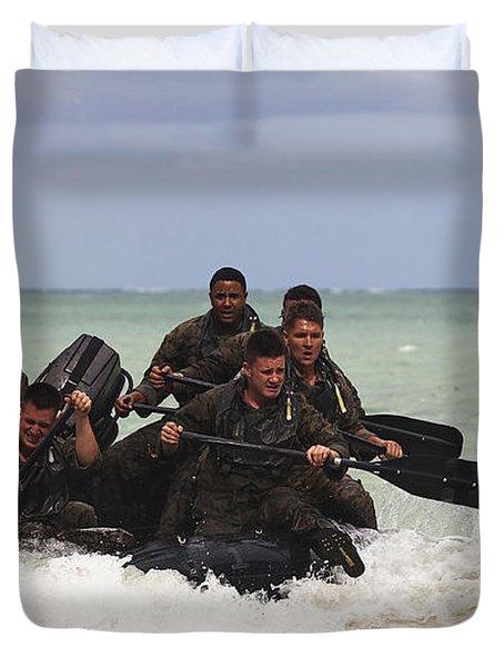 Force Reconnaissance Marines Paddle Duvet Cover by Stocktrek Images