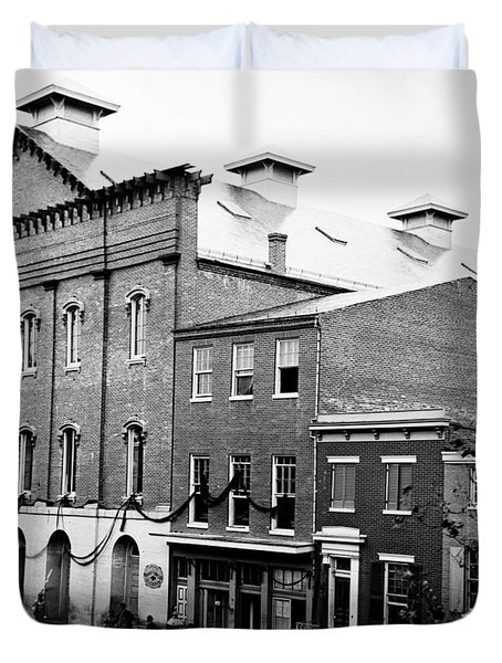 Duvet Cover featuring the photograph Fords Theater - After Lincolns Assasination - 1865 by International  Images