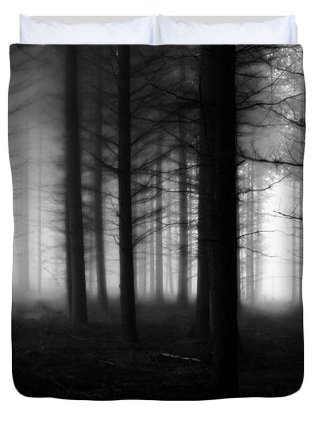 Duvet Cover featuring the photograph Forest Of Dean by Mariusz Zawadzki