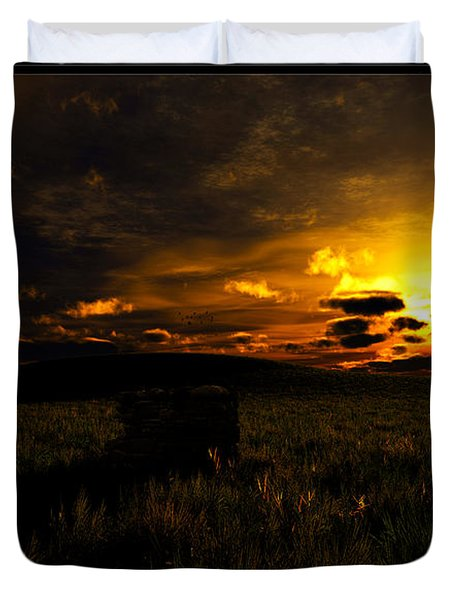 Forgotten Homestead... Duvet Cover by Tim Fillingim