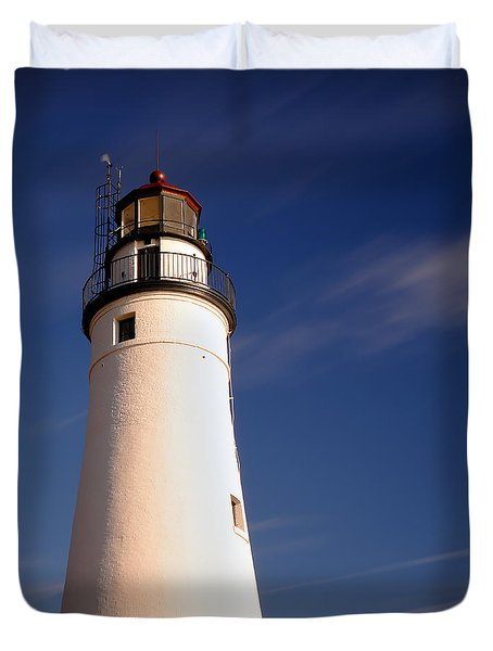 Duvet Cover featuring the photograph Fort Gratiot Lighthouse by Gordon Dean II