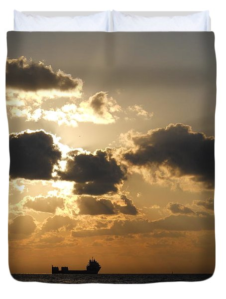 Duvet Cover featuring the photograph Fort Lauderdale Sunrise by Clara Sue Beym
