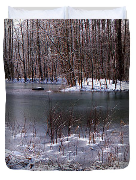 Duvet Cover featuring the photograph Frozen Head Pond by Paul Mashburn