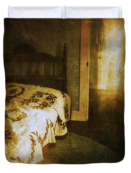 Ghostly Figure In Hallway Duvet Cover by Jill Battaglia