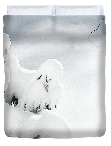 Duvet Cover featuring the photograph Ghostly Snow Covered Bush by Pamela Hyde Wilson