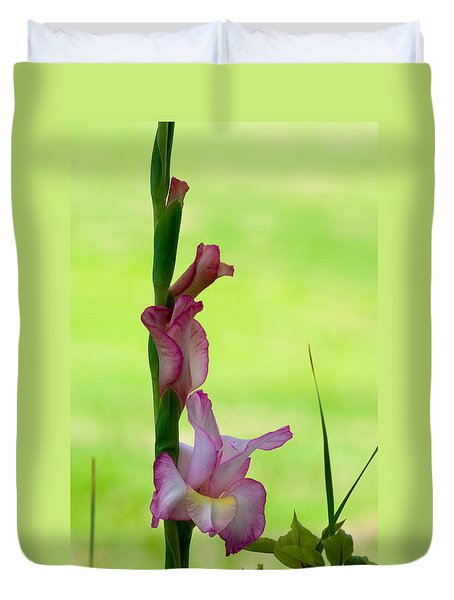 Duvet Cover featuring the photograph Gladiolus Blossoms by Ed Gleichman