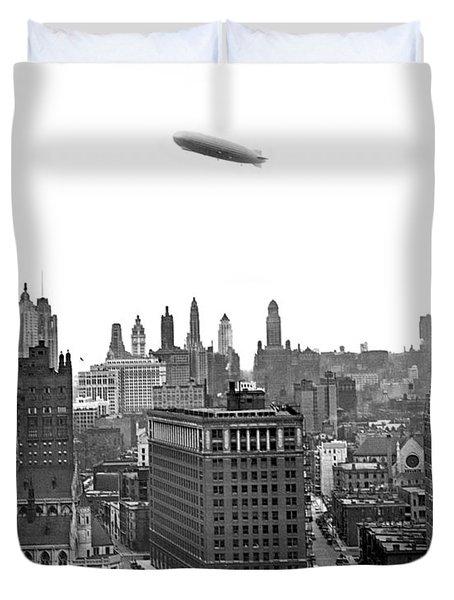 Graf Zeppelin Over Chicago Duvet Cover