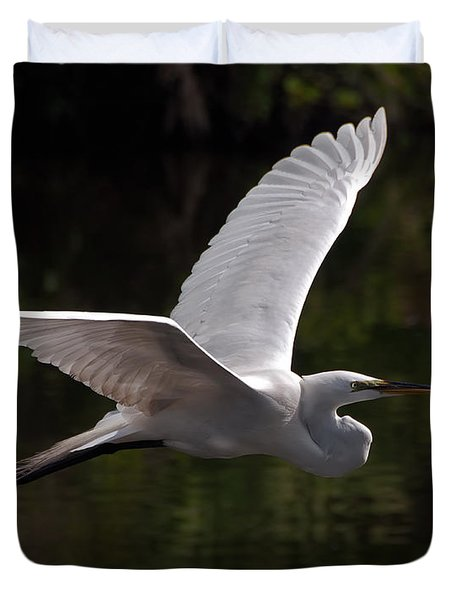 Great Egret Flying Duvet Cover