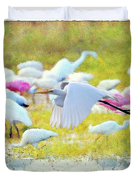 Duvet Cover featuring the photograph Great Egret Flying by Dan Friend