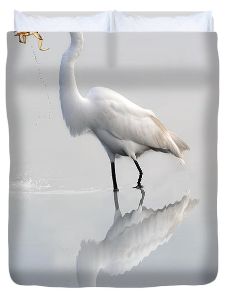 Duvet Cover featuring the photograph Great Egret With Lunch by Dan Friend
