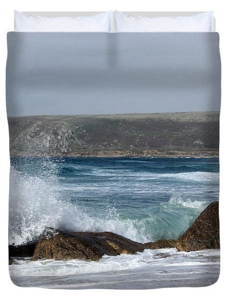 Gull On The Sand Duvet Cover by Linsey Williams