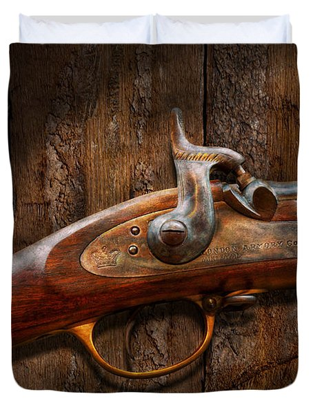 Gun - Musket - London Armory  Duvet Cover by Mike Savad