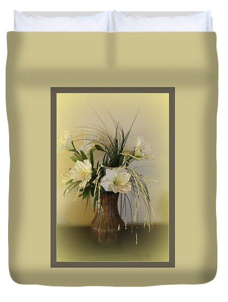 Duvet Cover featuring the photograph Happiness by Sherri  Of Palm Springs