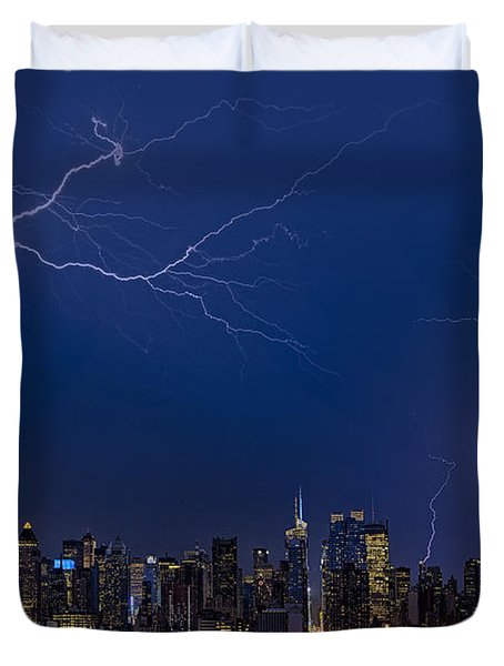 High Voltage In The  New York City Skyline Duvet Cover by Susan Candelario