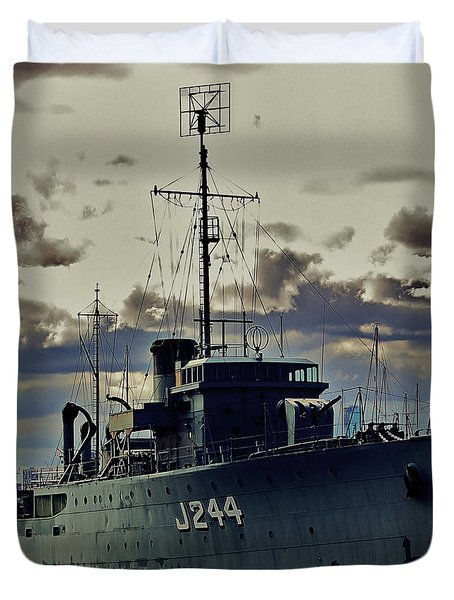 Duvet Cover featuring the photograph Hmas Castlemaine 1 by Blair Stuart