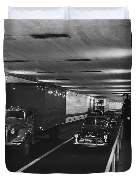Holland Tunnel, Nyc Duvet Cover by Photo Researchers