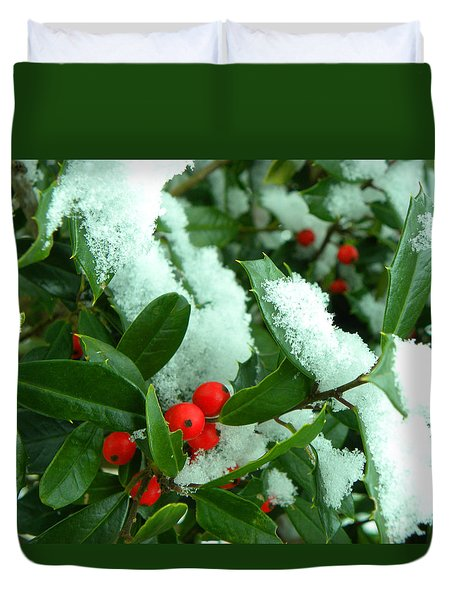 Holly In Snow Duvet Cover by Sandi OReilly