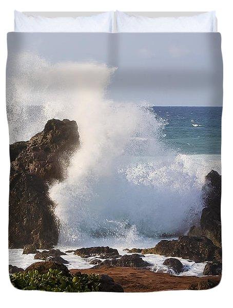 Hookipa Beach Wave 1 Duvet Cover by Teresa Zieba
