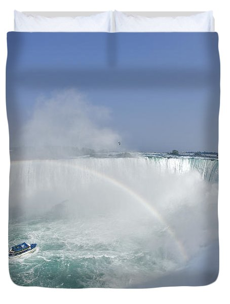 Horseshoe Falls And The Maid Duvet Cover by Darwin Wiggett