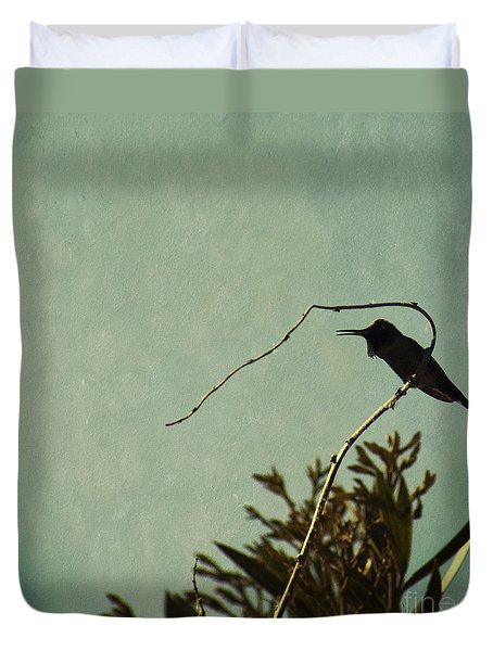 Hummingbird On Winter Wisteria Duvet Cover