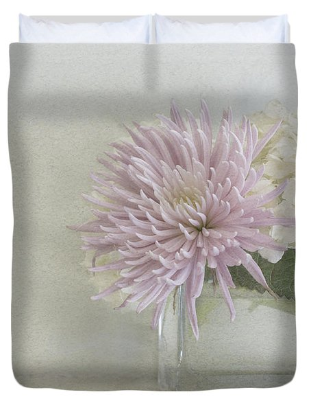 Hydrangea And Mum Duvet Cover