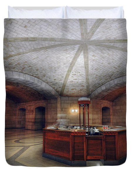 Duvet Cover featuring the photograph Info Desk by Art Whitton