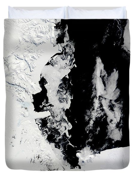January 18, 2010 - Ross Sea, Antarctica Duvet Cover by Stocktrek Images