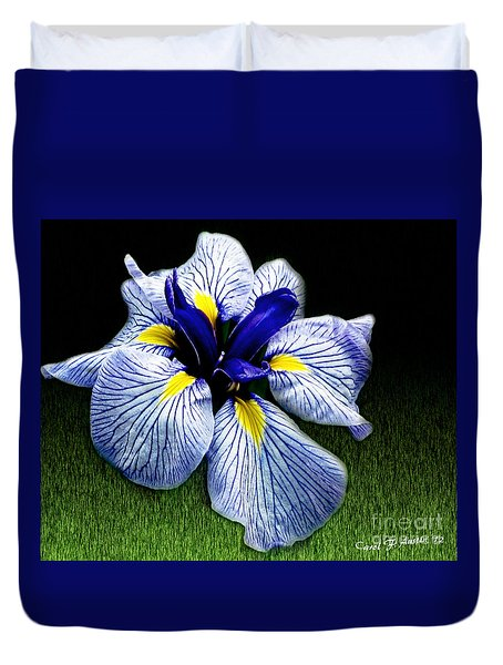 Japanese Iris Ensata - Botanical Wall Art Duvet Cover