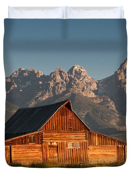 John And Bartha Moulton Barn Duvet Cover by Stuart Wilson and Photo Researchers
