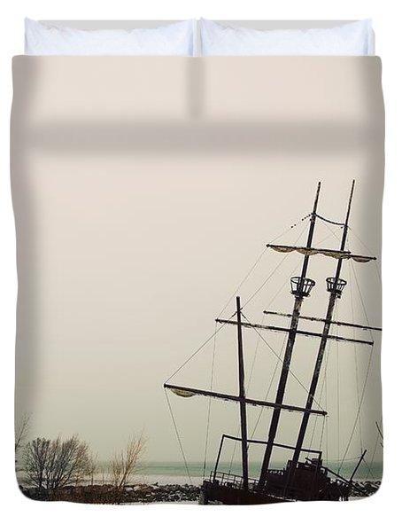 Jordan, Ontario, Canada A Tall Ship Duvet Cover by Pete Stec