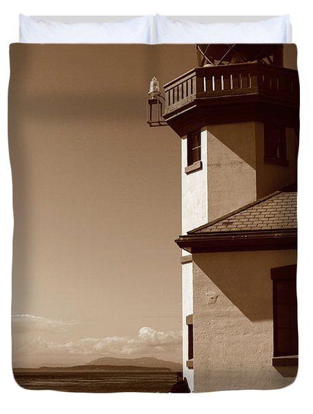 Duvet Cover featuring the photograph Lighthouse San Juan by Lorraine Devon Wilke