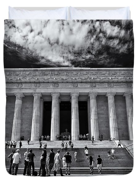 Lincoln Memorial In Black And White Duvet Cover