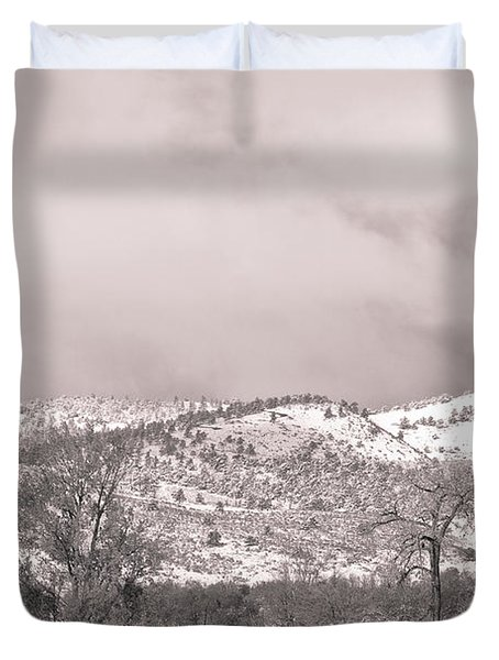Low Clouds On The Colorado Rocky Mountain Foothills 3 Bw Duvet Cover