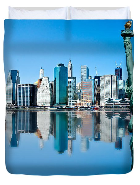 Duvet Cover featuring the photograph Manhattan Liberty by Luciano Mortula