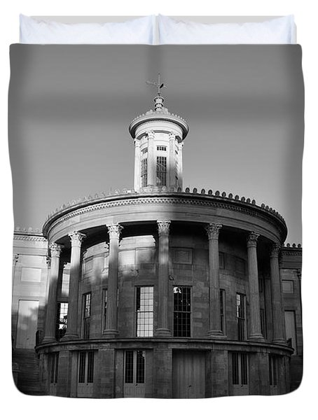 Merchant Exchange Building - Philadelphia In Black And White Duvet Cover by Bill Cannon