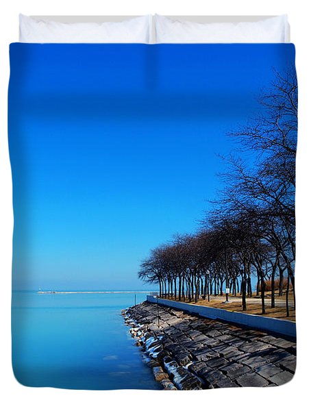 Michigan Lakeshore In Chicago Duvet Cover by Paul Ge