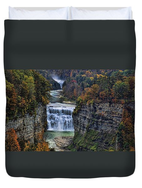 Duvet Cover featuring the photograph Middle Land by Tammy Espino