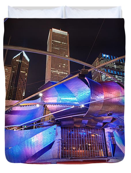 Duvet Cover featuring the photograph Millennium Park by Sebastian Musial