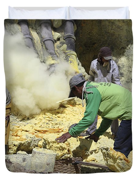 Miners Collecting Lumps Of Sulphur Duvet Cover by Richard Roscoe