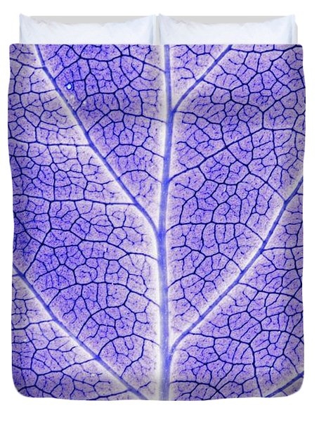 Monotone Close Up Of Leaf Duvet Cover by Sean White