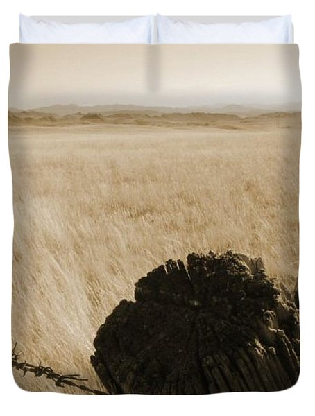 Duvet Cover featuring the photograph Montana Vista by Bruce Patrick Smith