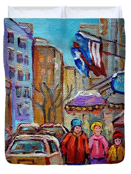 Montreal Street Scenes In Winter Duvet Cover by Carole Spandau